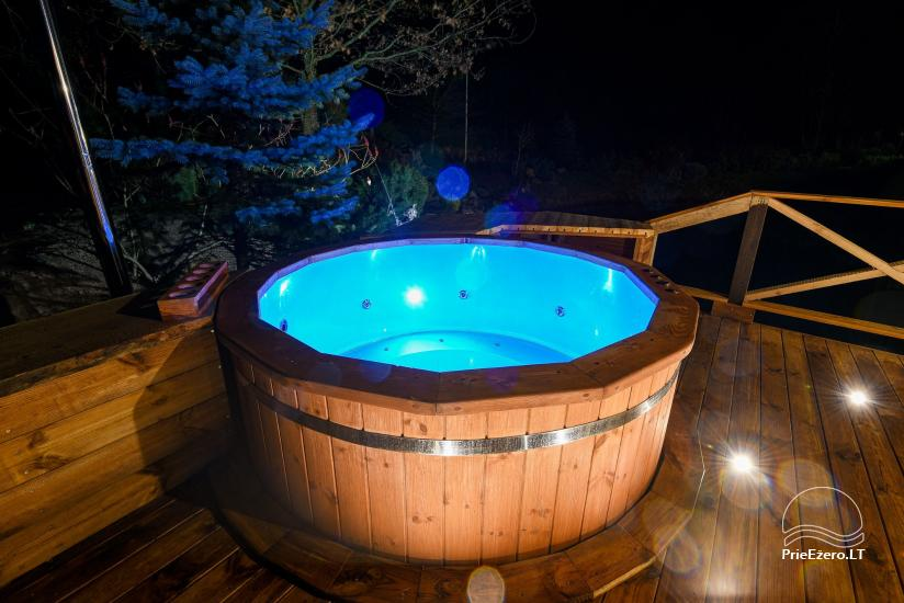 New (2019) hot tub with hydromassage