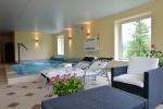 """Villa """"Viesų krantas"""" at the lake: holiday cottage, apartments, mini SPA complex"""