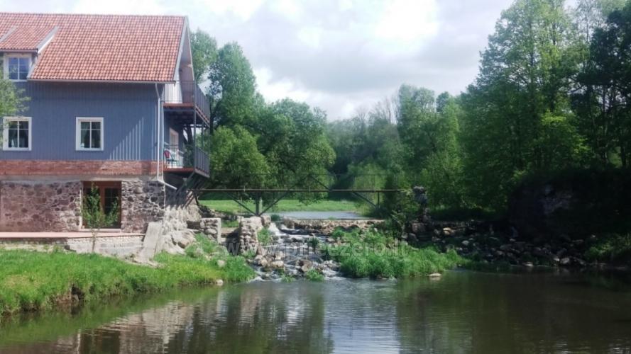 Landhaus mit Bankettsaal in der Nähe von Klaipeda Pagraumenės malūnas - 4