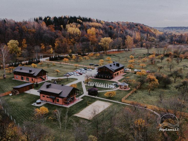 Усадьба Kudrenai в Каунасском районе - проживание, зал, сауны - 1