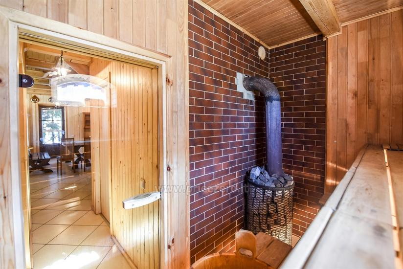 Bathhouse with a sitting room and bedrooms