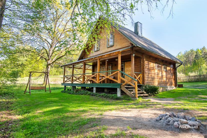 Wieś gospodarstwo w pobliżu jeziora Luokesu w rejonie Moletai, Litwa - 1