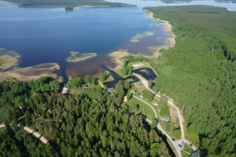 Кемпинг на берегу озера Usma в Латвии - 1