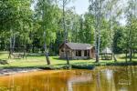 Wieś zagroda w rejonie Moletai na Litwie, w pobliżu jeziora Duriai