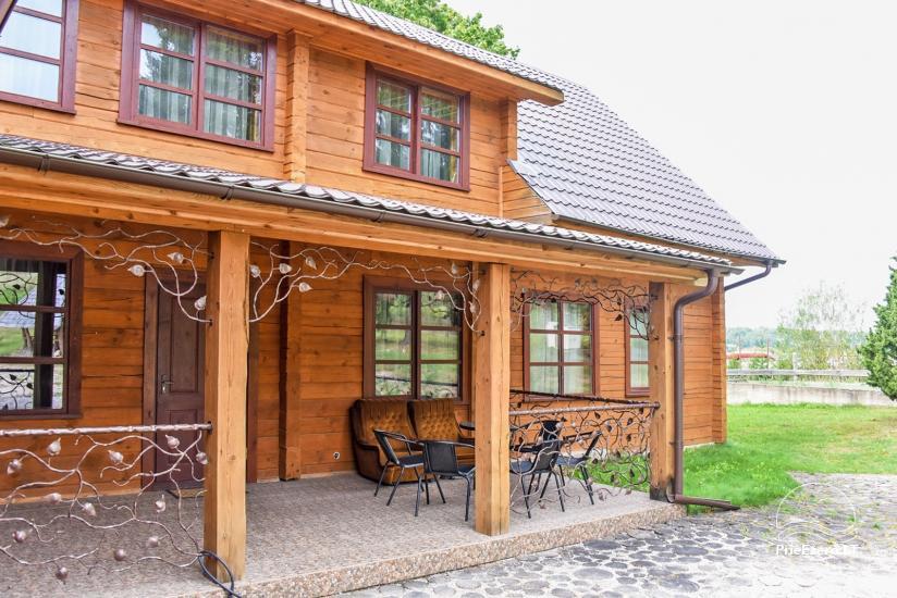 Wiejska rezydencja nad brzegiem rzeki Dubysa, na Litwie - 2