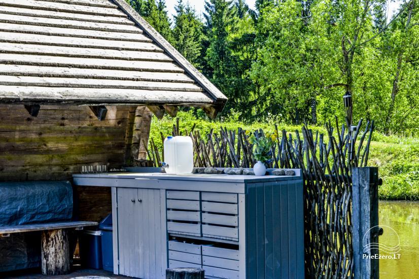 Miško rojus - hut over water - 4
