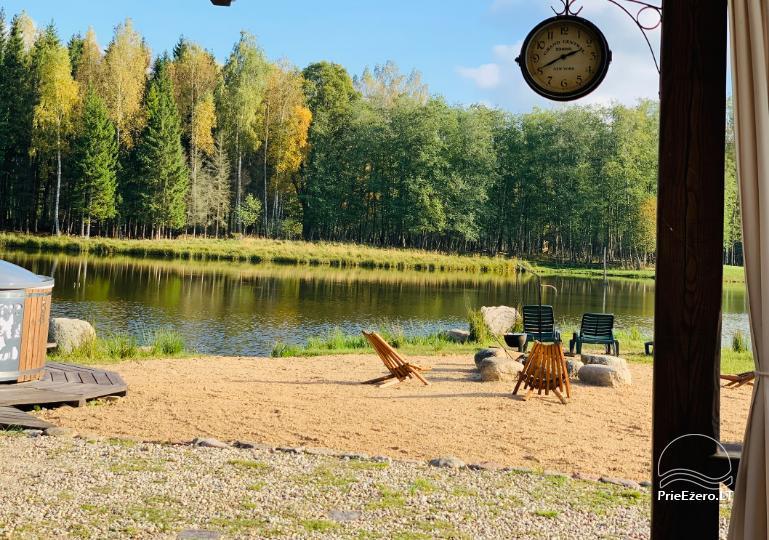 Złota jelenie jelenie z łaźnią i kempingiem w regionie Utena, Litwa - 17