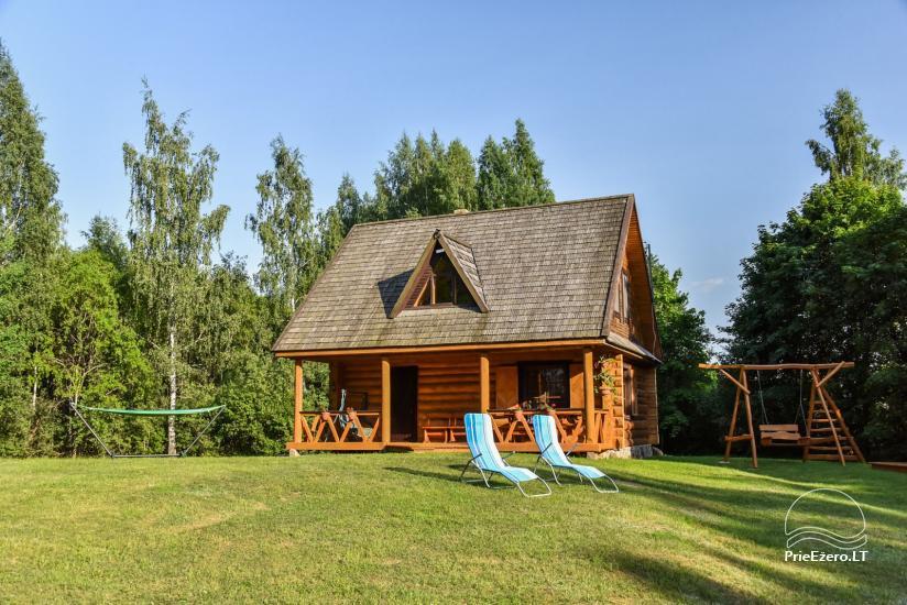 Бревенчатый дом и баня у озера Аускло в Зарасайском районе - усадьба AUSLA - 1