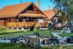 Gehöft auf dem Land - ein Freizeitzentrum in der Region Vilnius in Litauen