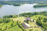 Gospodarstwo wiejskie w regionie Troki w pobliżu jeziora Monis