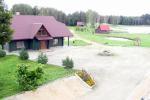 """Сельский отдых в Литве, усадьба """"Minavuonė"""" в Тяльшяйском районе на озере"""