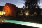 Bathhouse, swimming-pool, hot-tub in Homestead in Varene region