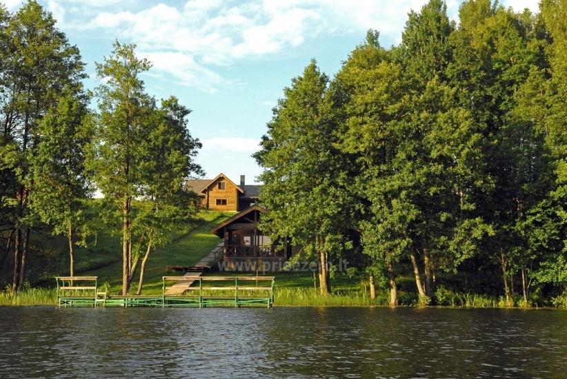 Łaźni i jacuzzi w gospodarstwie Holland Park na brzegu jeziora - 5