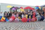 Klaipedas Jugend lädt ein, Regenschirme herauszuziehen