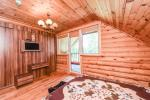 A log guest house with kitchen - 11