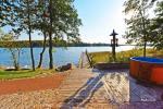 Домик с баней на берегу озера - 4